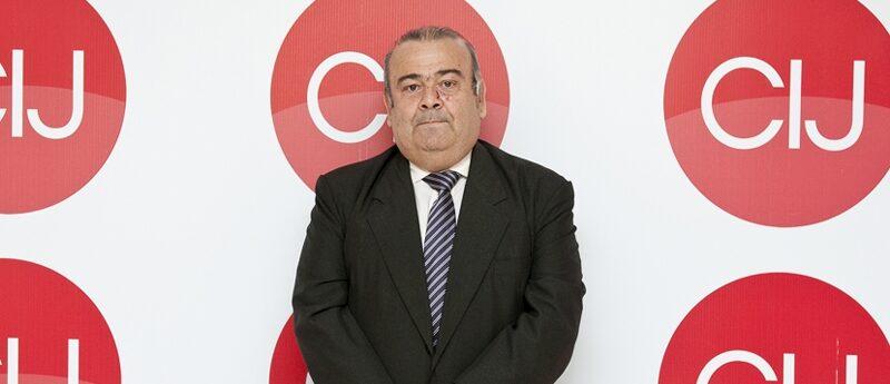 Alonso declaró la competencia federal de la causa de los contratos